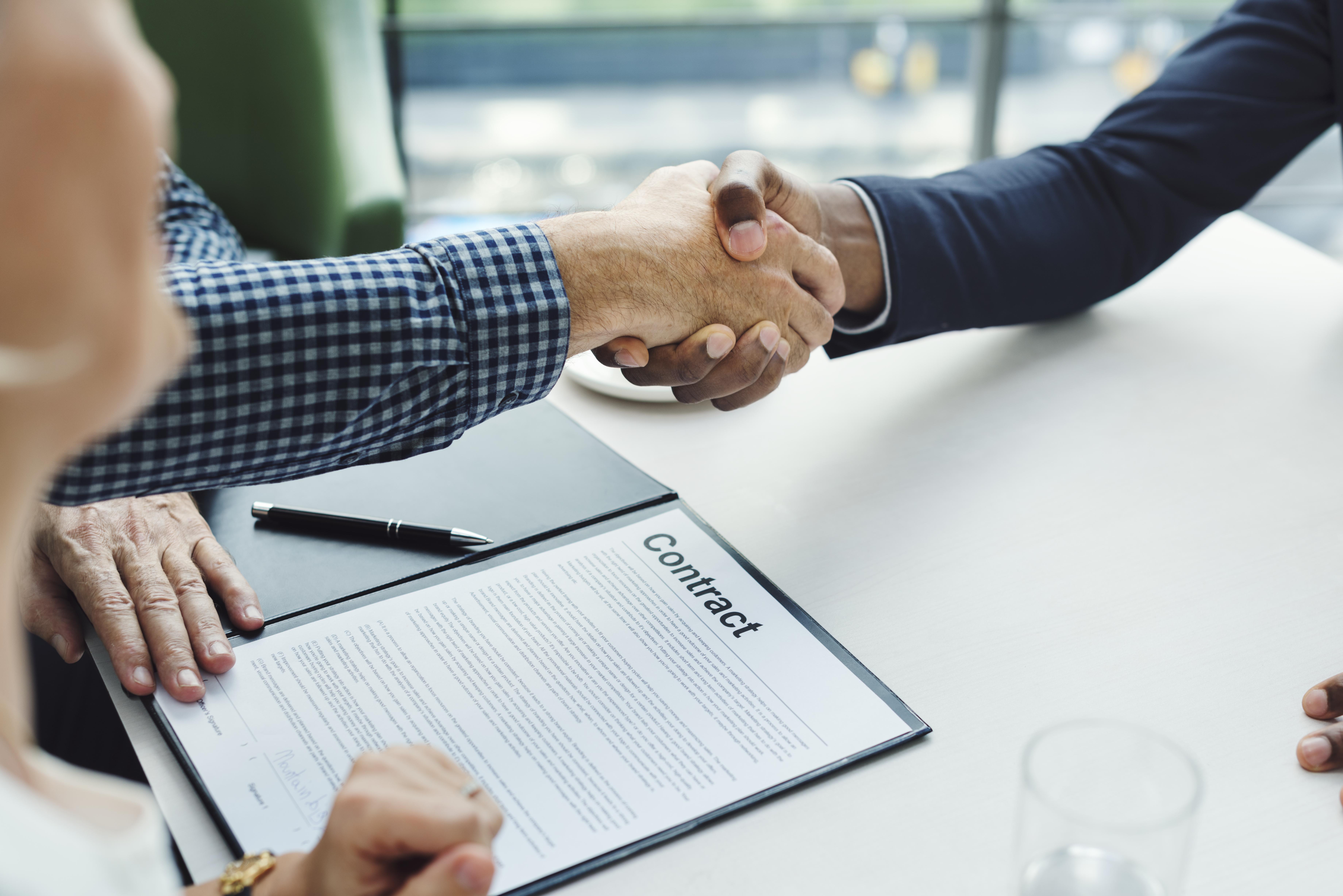 قراردادهای حقوقی